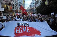 Taksim Platz: Beuge Dich nicht!
