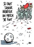 """Aus der Zeitung der französischen Eisenbahner (SCNF) einen Tag vor der EM-Eröffnung: """"Man muss wissen, wie man ein Fußballspiel stoppen kann"""""""