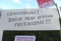 """Auf deutsch und polnisch: """"Streikbrecher, fahrt mal wieder nach Hause!"""""""