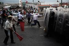 Bild von Ross McDonnell: Mexicos LehrerInnen im Widerstand