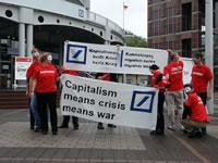 Überflüssige auf der Hauptversammlung der Deutschen Bank in Frankfurt