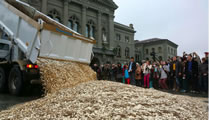 BGE-Initiative in der Schweiz: Über 130000 Unterschriften gesammelt und eingereicht