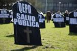 """Uruguay: Protestaktion der Gesundheitsgewerkschaft  fefusapu: """"Ruhe in Frieden, öffentliche Gesundheitsversorgung"""""""