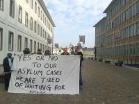 Karlsruhe: Nigerianische Flüchtlinge protestieren seit dem 23.09.2013 für ein bedingungsloses Recht auf Aufenthalt in Deutschland