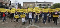 """Proteste bei der ersten Ratssitzung von """"SS-Siggi"""", Foto von nordstadtblogger"""