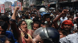 Bangladesh murderer steals workers' wages