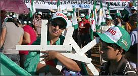 Brasilianische Landarbeitergewerkschaft Contag protestiert gegen Mordserie