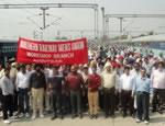Eine halbe Million Eisenbahner gegen Privatisierung in Indien