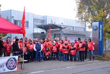 Proteste gegen angedrohte Werkschließung bei Thyssen Krupp Presta Esslingen