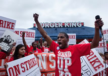 USA: Nationwide Fight for $15 Strikes in 190 Cities