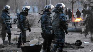 Noch immer nicht aufgeklärt: Übergriffe auf Ölarbeiter in Kasachstan, Dezember 2011