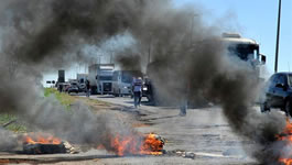Straßenblockaden quer durch Paraguay