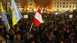 Die peruanische Regierungspartei unter dem Druck der Massenbewegung gegen das neue (Jugend) Arbeitsgesetz