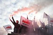 Reifen brennen auf den Straßen: Polnische Bergarbeiter wehren sich weiter