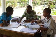 miserable Arbeitsbedingungen der LehrerInnen in Kenia