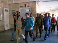MarutiArbeiter zum Gericht abgeführt