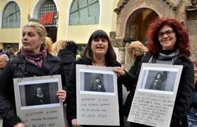 Litsa Alexaki (rechts) und andere Putzfrauen der griechischen Finanzbehörden