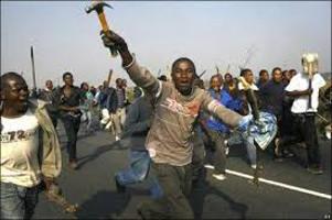 Rassistischer Mob in Südafrika