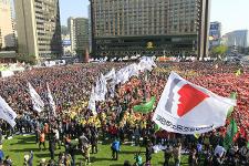 Demonstration der Streikenden in Seoul