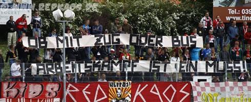 17.05.2015 Germania Halberstadt - FSV Zwickau: Red Kaos Zwickau solidarisiert sich mit den Streikenden