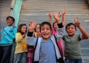 Kinder Symbol des Wiederaufbaus von Kobanê
