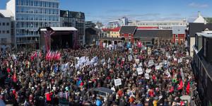 Die erste Streikkundgebung in Islands Streik für Mindestlohn