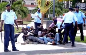 Polizei gegen Demonstranten Luanda Mai 2015