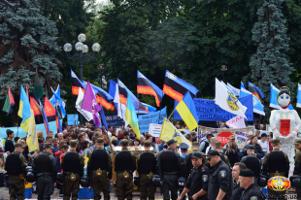 Gewerkschaftsdemonstration in Kiew am 3. Juli 2015 - die Töne werden radikaler gegen die antisoziale Politik der Oligarchenregierung