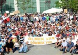Streikende Metallarbeiter in Bursa im Mai 2015