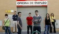 Erwerbslose in Spanien: Im Juni 2015 waren über 50% ohne Stütze