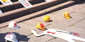 Istanbul Juli 2015: Protest gegen Rekord an tödlichen Arbeits-Unfällen