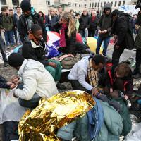 Flüchtlinge in Belgrad im Juli 2015 - künftig alle ins konzetrierte Lager?