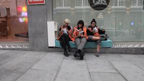 Mit Matratzen gegen Stahldornen _ Aktivisten gegen Obdachlosenvertreibung in London, Juli 2015