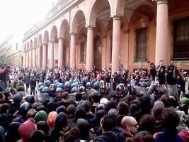 Flüchlingsdemonstration Mailand Juli 2015 - der übliche uniformierte Empfang