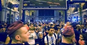 Solidarität mit Flüchtlingen am 1. September 2015 im Budapester Ostbahnhof