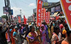 Arbeiterinnen beim Generalstreik 2.9.2015 in Madras (Chennai) in Indien