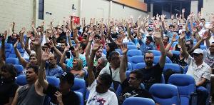 Rio-Ölarbeiter stimmen für Streikende 20.11.2015