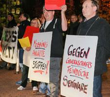 AKUWILL-Protestkundgebung gegen das Seminar von Jan Tibor Lelley am 12.11.15 in Essen