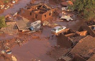 Dammbruch im Erzbergwerk Mariana in Brasilien am 5.11.2015