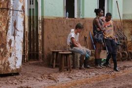 Betroffene des Dammbruches in Mariana am 20.11.2015
