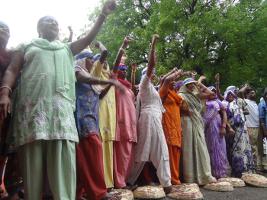 Indische KanalreinigerInnen protestieren im Dezember 2015