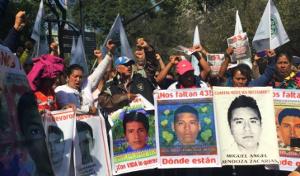 Erneute Proteste der Angehörigen der 43 verschwundenen mexikanischen Studenten im November 2015