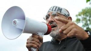 Carlos Santillan ÖD Gewerkschaftsvorsitzender in Jujuy beim ersten Protest gegen die Macri-Regierung am 2.12.2015