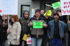 Work Watch: Druckereibeschäftigte zeigen IGBCE Rote Karte