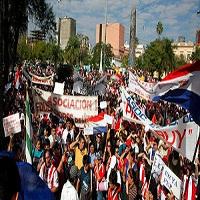Demonstration beim Generalstreik in Asuncion 22.12.2015