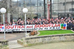 Der Kongress der FSU demonstriert am Solidaritätstag mit den 8 von Goodyear am 4.2.2016