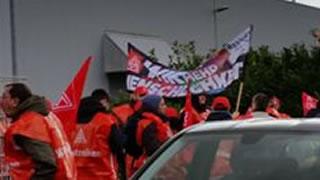 Warnstreik bei Finova, Remscheid, am 24.2.2016, Foto: IG Metall Remscheid-Solingen
