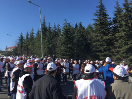 Protest bei Haribo: vorm Werktor in Istanbul (Februar 2016)