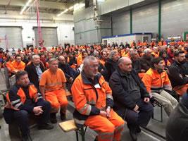 Officina Bellinzona: Arbeiterversammlung von Ende Februar 2016 (Ultimatum an die SBB-Spitze). Foto: Rainer Thomann