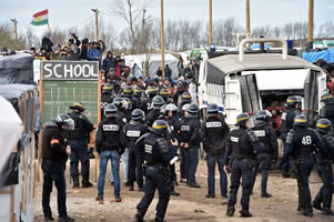 "Calais: Teilräumung des ""Jungle""-Camps von Migranten am Ärmelkanal"